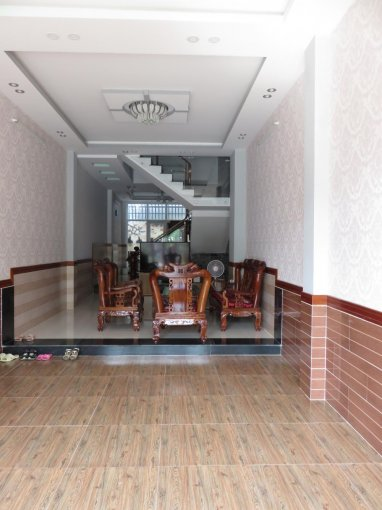 Cho thuê nhà mặt tiền nguyên căn Đường Phú Thuận, Quận 7